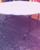 mesa redonda plegable en fibra de vidrio