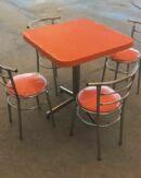 mesa y silla chabely en venta